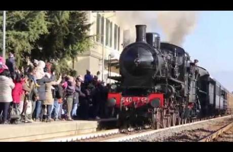 3 0:01 / 2:07 Epifania 2019, la Befana arriva con il treno a vapore