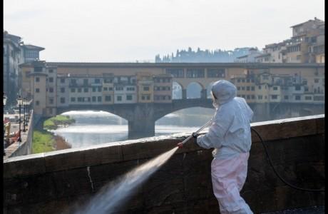 Coronavirus, sanificazioni in corso nell'area metropoitana di Firenze