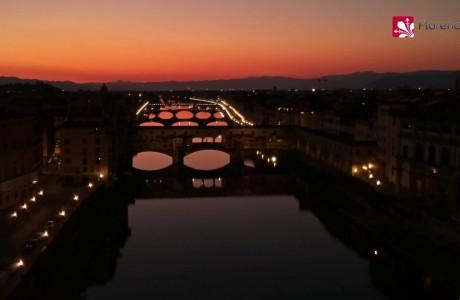 DRONE | Firenze al tramonto: con tutta questa bellezza vi ricordiamo di… RESTARE A CASA!
