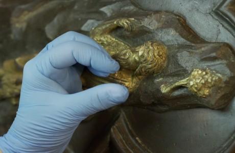 Duomo Firenze: timelapse del resturo della Porta Sud in bronzo e oro