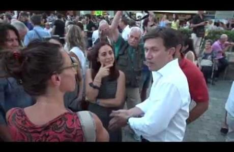 Piazza Dalmazia presa d'assalto per la cena della tramvia